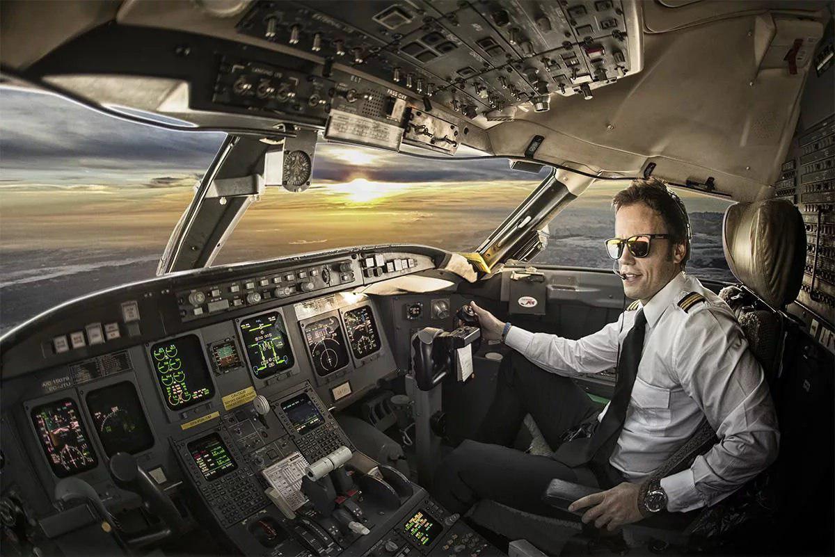 Открытки, пилот в картинках